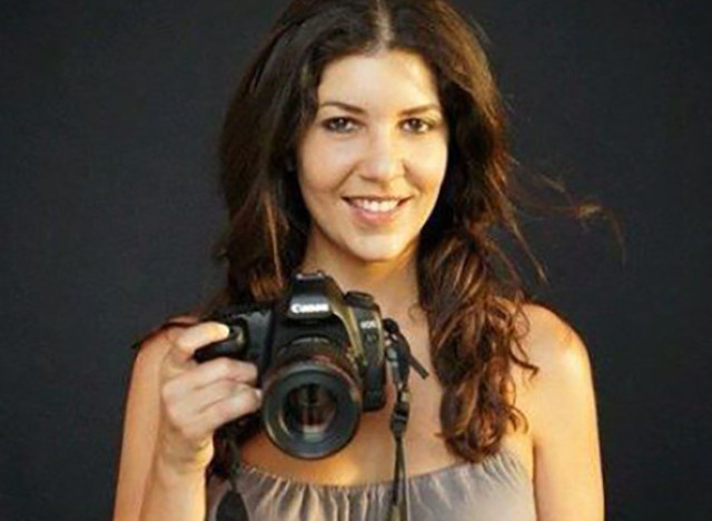 This handout file photo taken at the end of 2011 and obtained on January 19, 2016, courtesy of a friend, shows French Moroccan photographer Leila Alaoui posing in Marrakesh.  Leila Alaoui, 33, who was injured after jihadist gunmen attacked a Ouagadougou hotel and a restaurant popular with Western expatriates in Burkina Faso, died of her wounds Moroccan news agency announced.  / AFP / AFP AND AK / HO