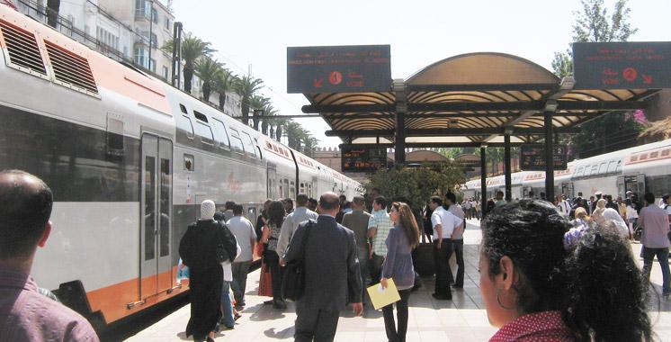 Voyageurs-ONCF-Train-Rabat-Maroc