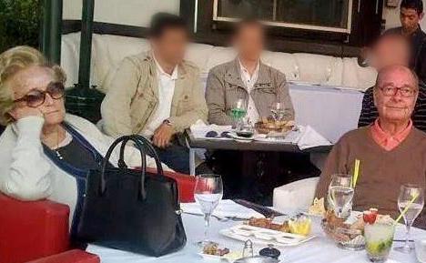 Agadir (Maroc), mars2015. Comme l'an dernier, les Chirac ont notamment été vus au restaurant la Madrague, près de la plage. Une photo du couple prise en mars2015 figure d'ailleurs sur la page officielle Facebook de l'établissement. (La Madrague Agadir.)
