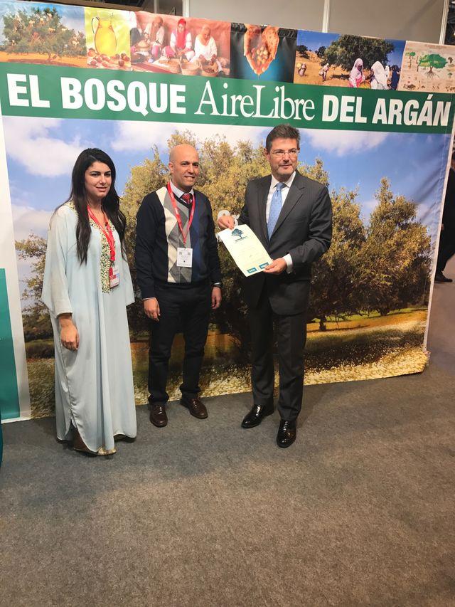 Avec M. le Ministre Catala