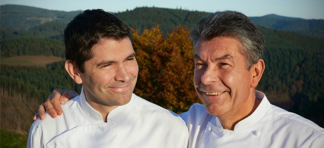 Régis Marcon (à droite) et son fils Jacques du Restaurant Régis & Jacques Marcon SAINT-BONNET-LE-FROID