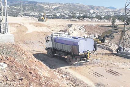 Les travaux sur le site qui va accueillir le projet continuent normalement puisque les promoteurs n'ont reçu aucune demande de suspension du chantier, ont-ils indiqué (Ph. FN)
